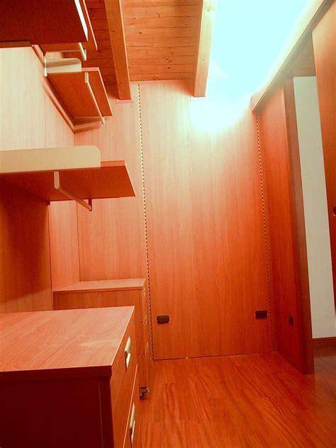 cabina armadio in mansarda cabina armadio totalmente personalizzabile idfdesign