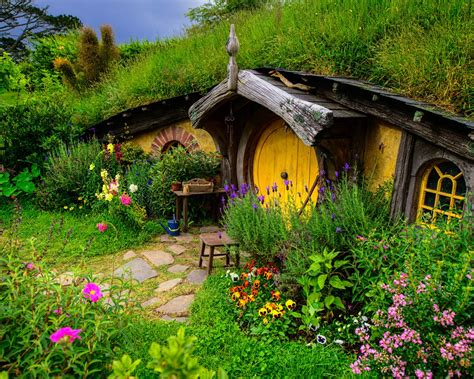 wallpaper lord   rings hobbit house hill flowers