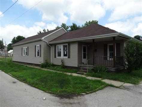 houses for sale taylorville il 115 e palmer st taylorville il 62568 detailed property info reo properties and