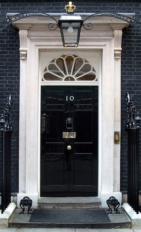 10 downing front door achieving a high gloss finish on an exterior door d oh i y