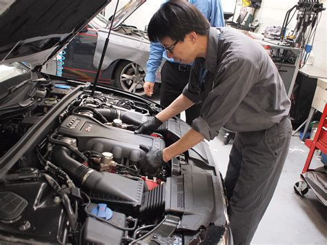 audi technician regular or synthetic engine which one should you use
