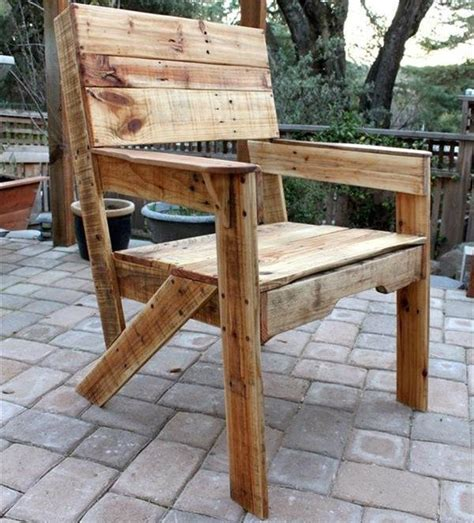 25 best pallet seating ideas on pallet outdoor pallet chairs and outdoor best 25 pallet seating ideas on pallet outdoor wood pallet and diy