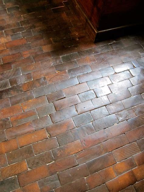 wood floor   bricks  grain flooring