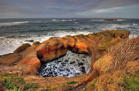 devil s punchbowl oregon coast at low tide you can access