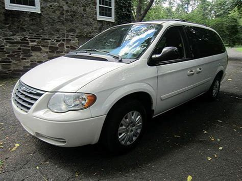 town country 2005 car manual town and country chrysler repair7 sell used no reserve 2005 chrysler town and country quot stow and go quot no reserve in new hope