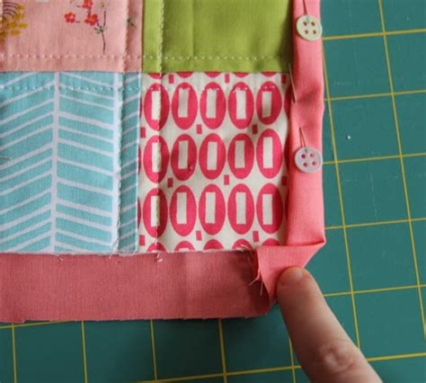 Backing And Binding A Quilt by Binding A Quilt With The Quilt Back Cluck Cluck Sew