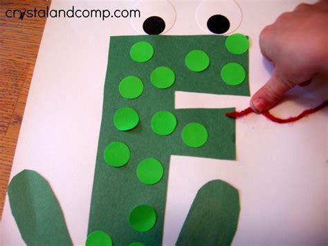 frog pattern for kindergarten letter of the week f is for frog
