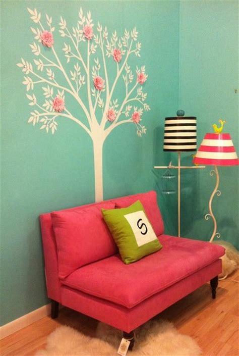 reading nook  girls bedroom  tiffany blue  hot pink
