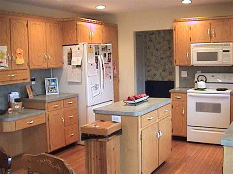 kitchen paint colors with light oak cabinets cabinet pulls light oak cabinets
