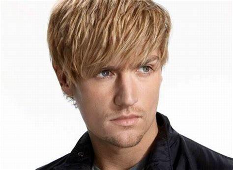tagli di capelli uomo foto e tendenze ma guarda un po tagli di capelli uomo 2011 tendenze e foto ma guarda un po