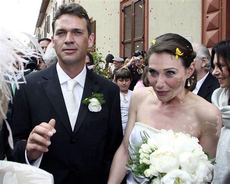 claire forlani y esposo la actriz claire forlani 42 se cas 243 con su loc el