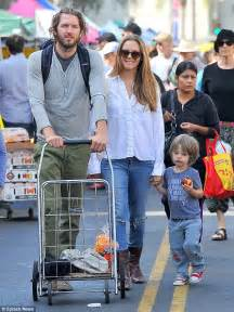 alicia silverstone family alicia silverstone carries tired son bear after long day