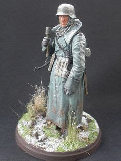 Resin Figures 135 Wss Panzer Commander Kursk 1943 1 35 scale figures from d day miniature studio german volkssturm and bdm members in different