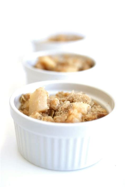 best apple crumble recipes best 25 apple crumble recipe ideas on easy