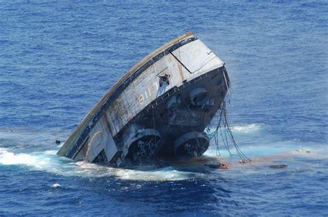 sinking boat vine sinking boat sinking boat boat sinks off oregon coast