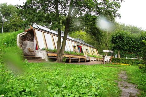 self sustaining garden the earthship grounded living garden culture magazine