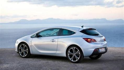 Opel Gtc 2019 by Opel Gtc Listino Prezzi 2019 Consumi E Dimensioni