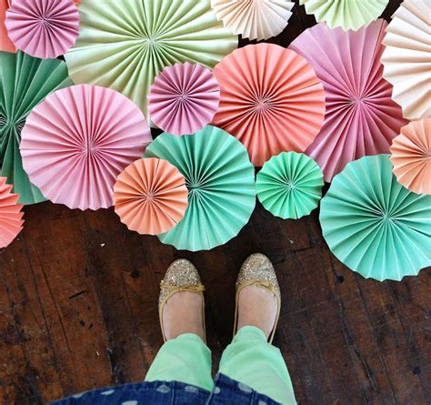 Paper Fan - 3 free diy paper crafts tutorials flower fans and
