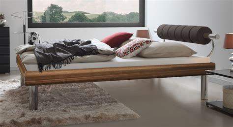 Bett 30 Cm Hoch by Designerbett Mit Elegantem Kopfteil In Vielen Dekoren Rocio