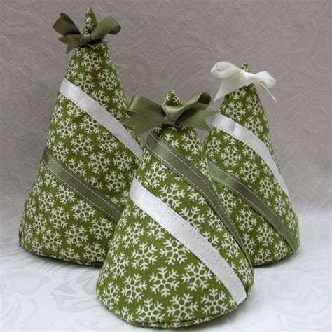 folksy buy quot set of fabric christmas tree decorations