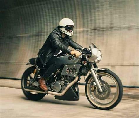 Bell Moto 3 yamaha custom cafe bell moto 3 helmet style