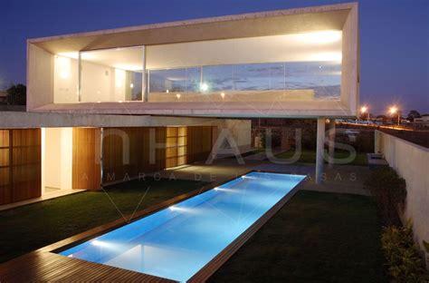 brazilian home design trends casa modular barcelona de dise 241 o moderno inhaus