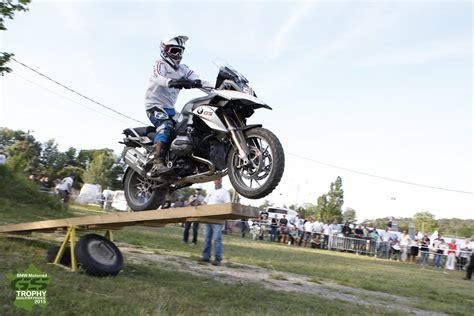 Bmw Motorrad En France by Bmw Motorrad Gs Trophy France Rendez Vous Au Ch 226 Teau De