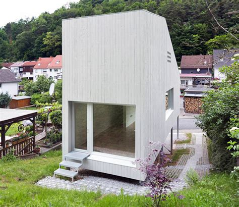 small houses architecture architekturburo scheder positions a tiny timber house on
