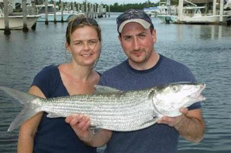 bump jump boat rentals the couple that fishes together stays together call 305