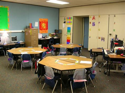 classroom layout with trapezoid tables 1000 images about table arrangements on pinterest