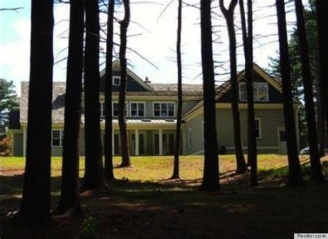 tim tebow house tim tebow is headed to new england 3 boston area homes