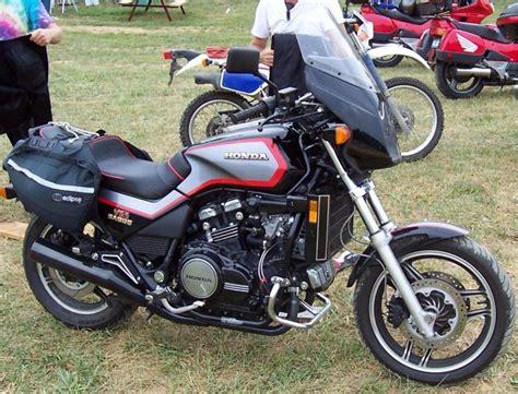 honda sabre 1982 honda vf750s v45 sabre moto zombdrive com