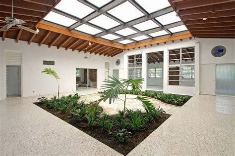 1950s modern atrium house in coral gables for 585 000