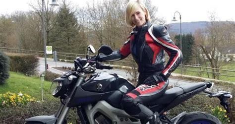 Motorrad Lederkombi Frauen by Bildergebnis F 252 R Frauen Im Lederkombi Biker