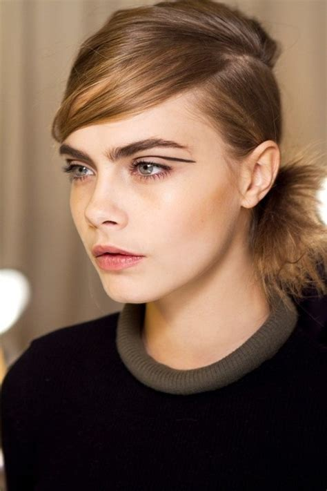 The Model Eyebrow by Thick Eyebrow Trend 7beautytips