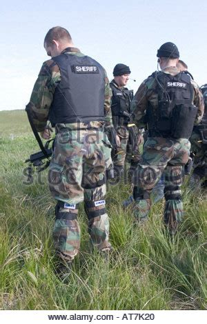 Saline County Warrant Search Swat Team Getting Ready To Deploy From Kansas City Mo Stock Photo