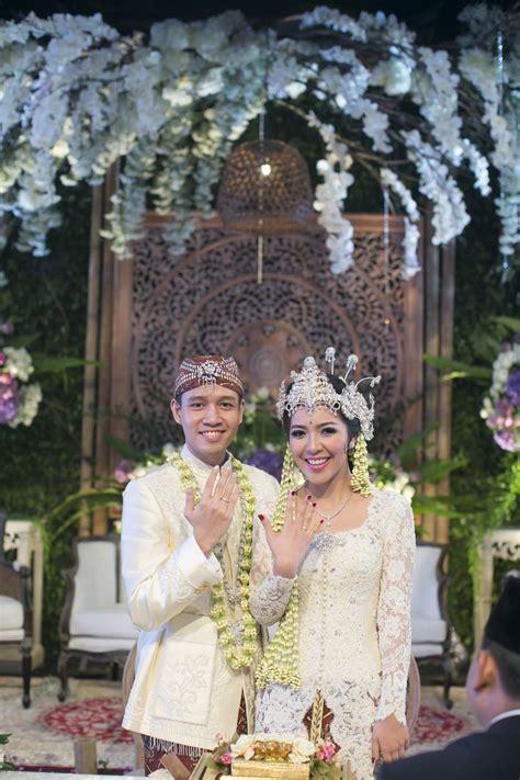 Wedding Sunda Akad Nikah Sunda Dengan Nuansa Putih Www Thebridedept