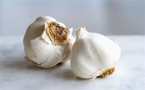 Garlic Detoxing Intestines by Top 10 Foods That Detox Your Fast