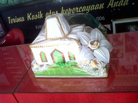 Souvenir Bros Bunga Pelangi Unik Murah rangkai mahar pusat undangan unik souvenir murah