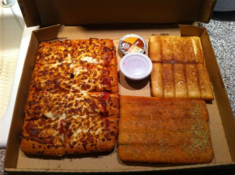 10 Pizza Box by Pizza Hut 10 Dollar Box With Wings Www Imgkid The