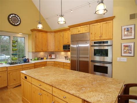 kitchen colors with hickory cabinets paint color in kitchen with hickory cabinets