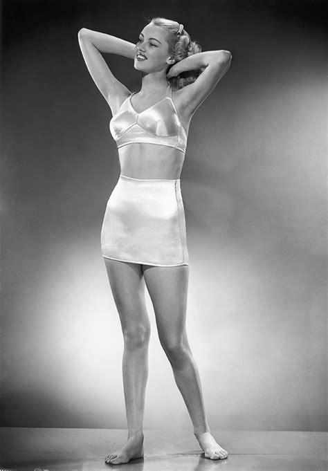 Women In Girddles | girdles with garter tabs for women