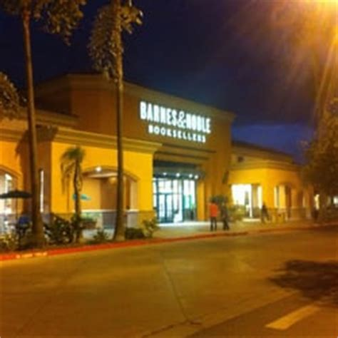 Barnes And Noble Fresno Ca barnes noble booksellers 99 photos 43 reviews