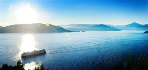 boating accident up north rescuers are still searching for a north vancouver man