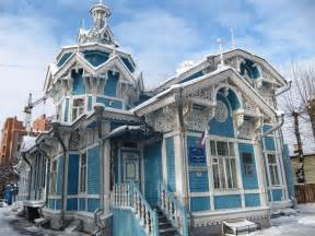 russian wood house around the world and back