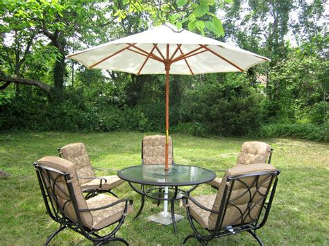 Small Patio Set With Umbrella Small Patio Furniture Sets Umbrella For Pictures With