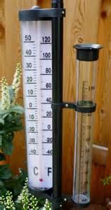 wetterstation garten wetterstation thermometer regenmesser garten