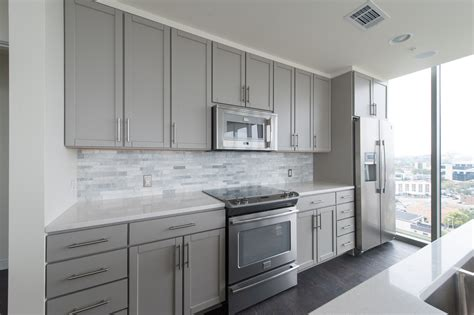 sherwin williams gray paint for kitchen cabinets kitchen leedo shaker cabinets sherwin williams