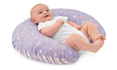 cuscino da allattamento il cuscino da allattamento come fare a realizzarlo