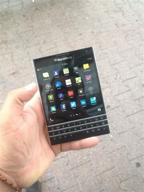 pics blackberry passport exposed size compared to q10 iphone bbin